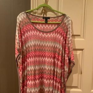 Inc knit top with zig zag design